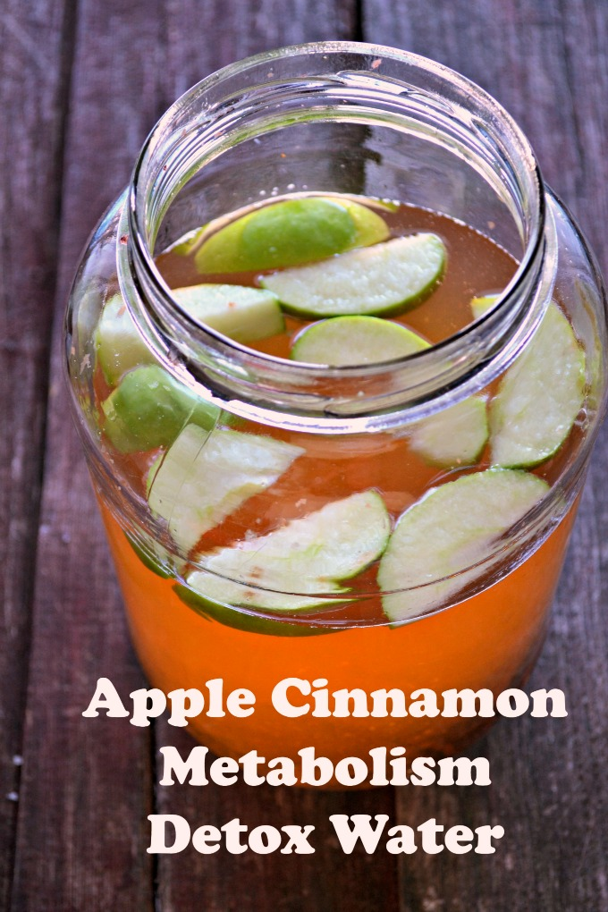 Apple Cinnamon Detox Water