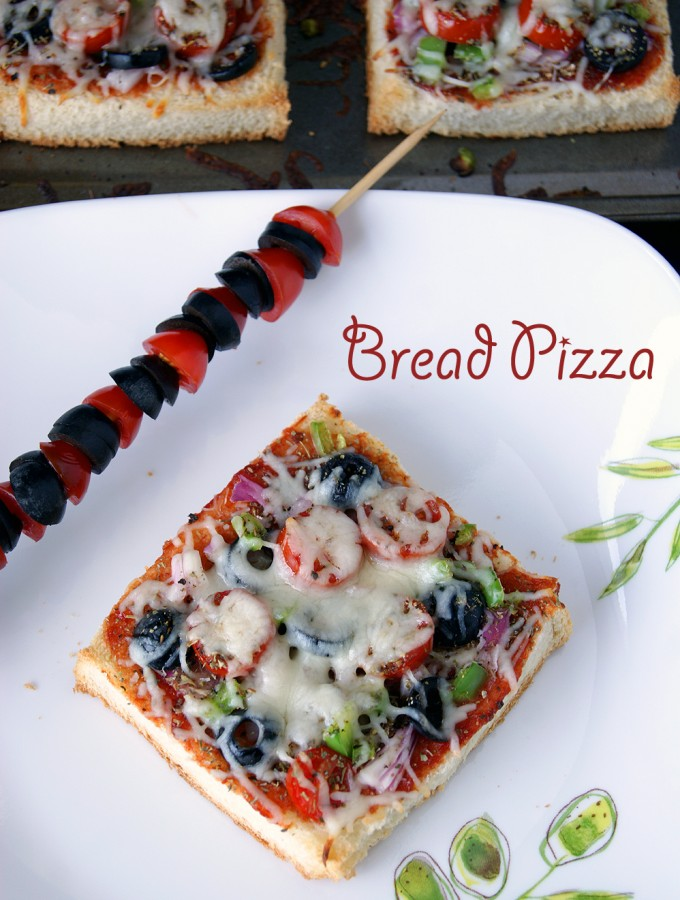 Vegetarian Bread Pizza