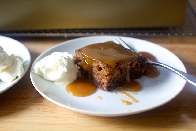 date-cake-with-toffee-sauce-31