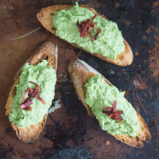 3 Easy Summer Crostini Recipes