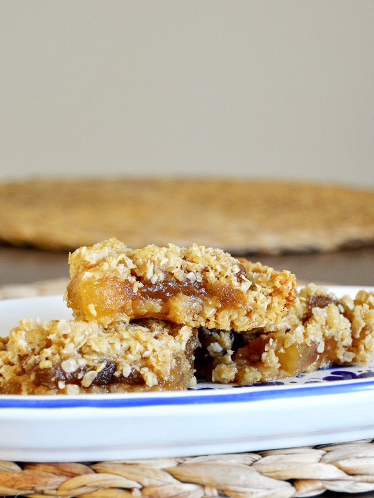 You don't need to be an expert baker to enjoy the classic taste of these homemade Apple Pie Oatmeal Bars. Fresh apple jam is the perfect compliment to a simple 4-ingredient oatmeal crust.