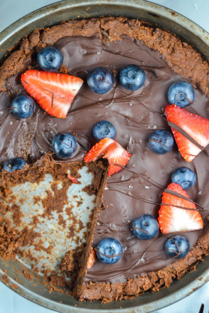 These five Dessert Pizza Recipes are just what you need to seduce your partner into the kitchen for a foodie inspired Date Night!