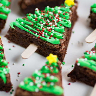 Easy Christmas Tree Brownie Pops